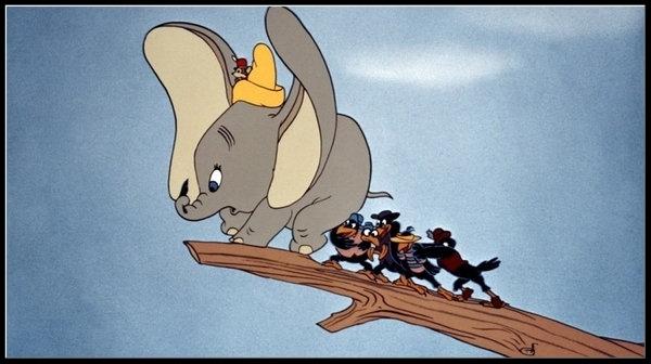 Dumbo, 1941. Heroi per força o anti-heroi? L'opressió i la violència s'acarnissa en la debilitat de l'altre en forma de bullying.