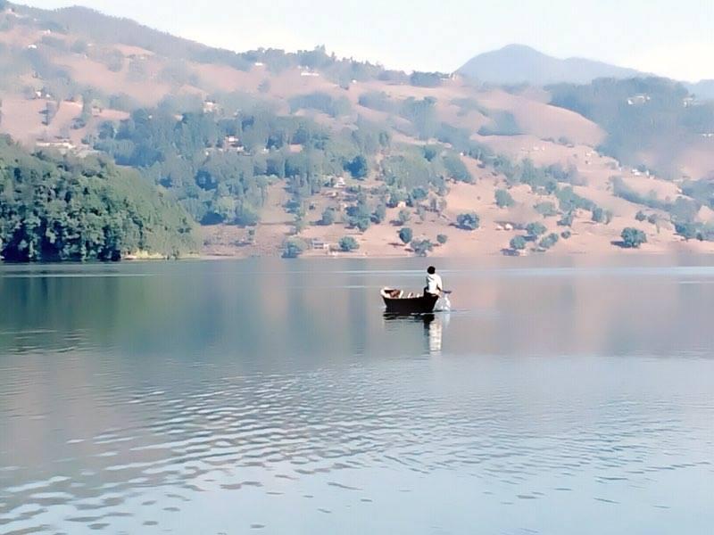 Bootsfahrt auf dem Phewasee