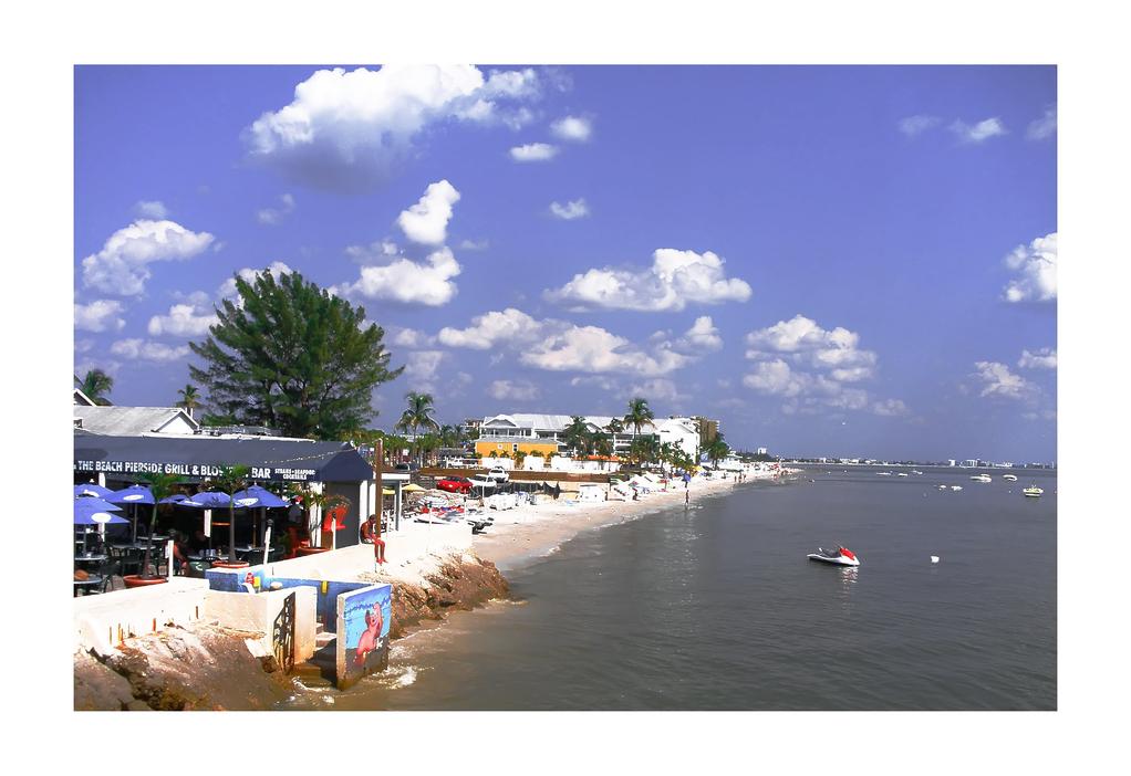 Fort Myers Beach | Beachfront Restaurant