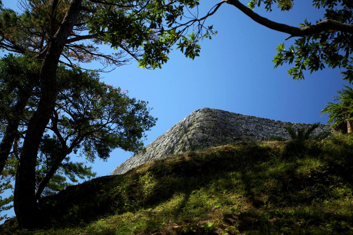 沖縄写真 座喜味城跡 城壁 沖縄の世界遺産