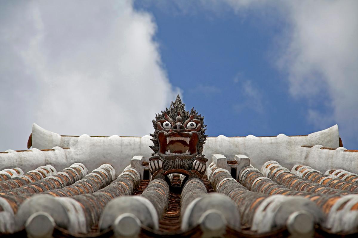 沖縄写真 中村家住宅のシーサー
