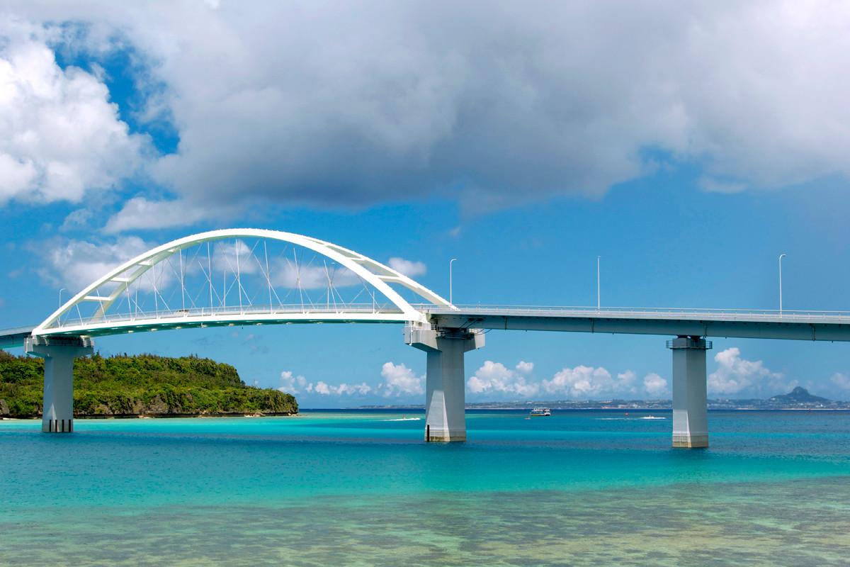 沖縄写真 本島本部町 瀬底大橋