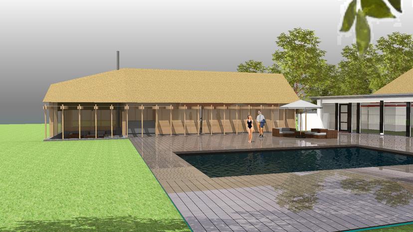 zuidgevel van het houten bijgebouw met riet dakbedekking. Zonneterras met zwembad en overdekt terras