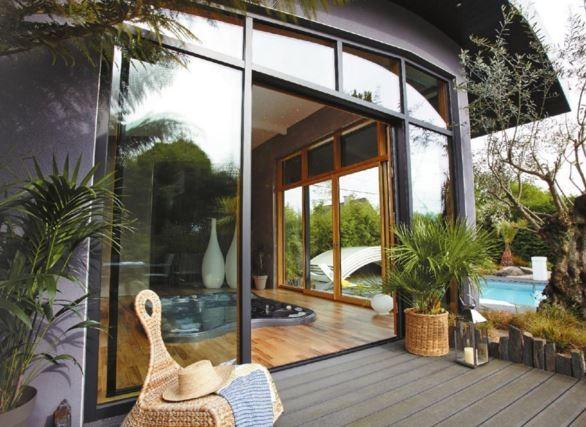 veranda verre par LA VERANDA ROCHELAISE signée RAPID miroiterie