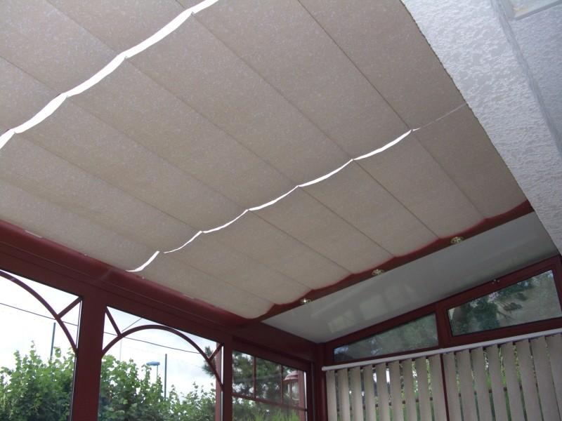 protection solaire intérieure manuelle ou motorisée entre chevrons aluminium