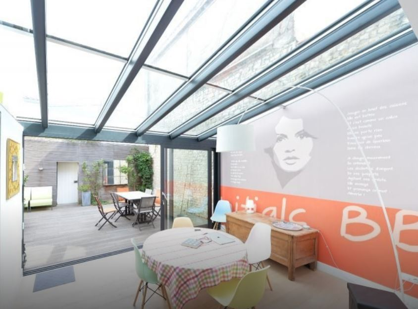 veranda verre à La Rochelle par LA VERANDA ROCHELAISE signée RAPID miroiterie
