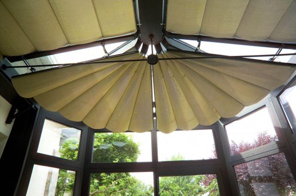 store de réflexion pour toiture vitrée et rayonnate