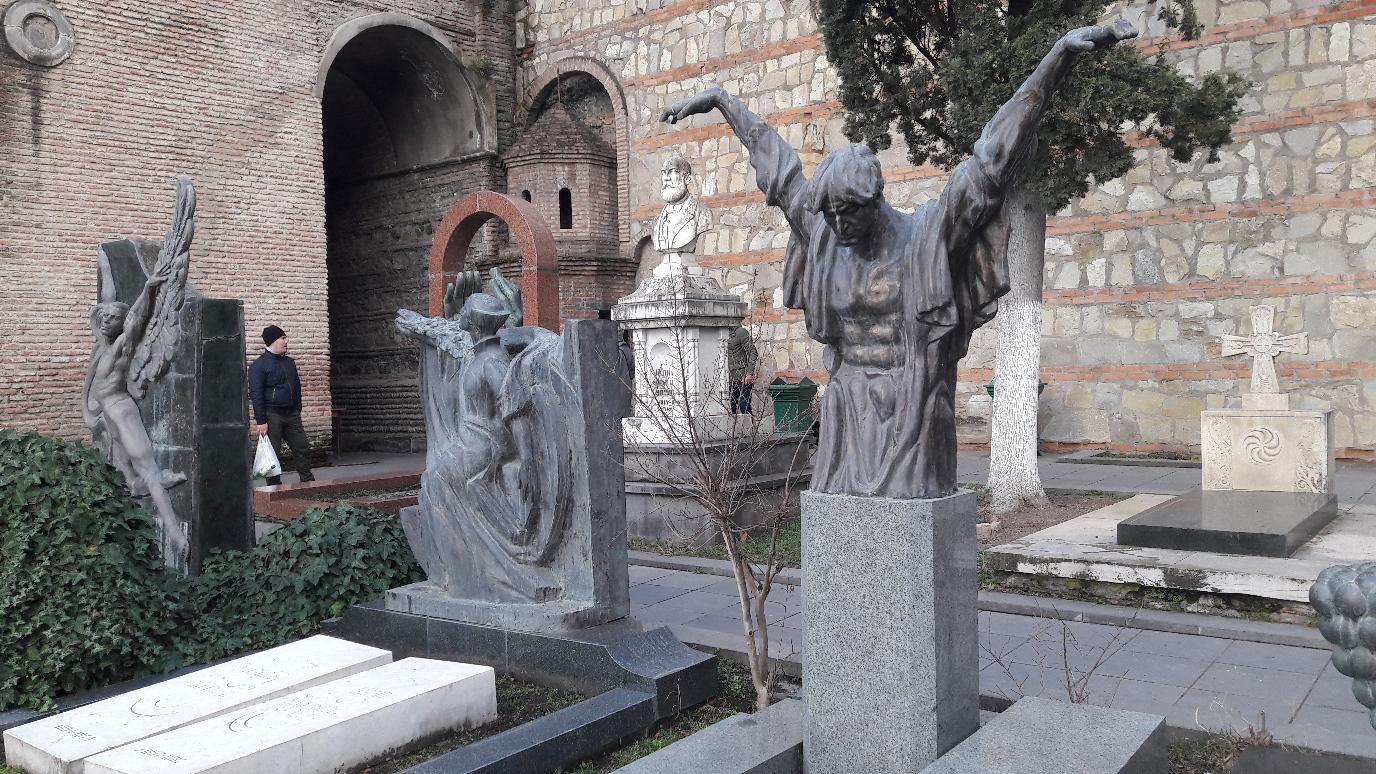 Skulpturen im Pantheon von Künstlern