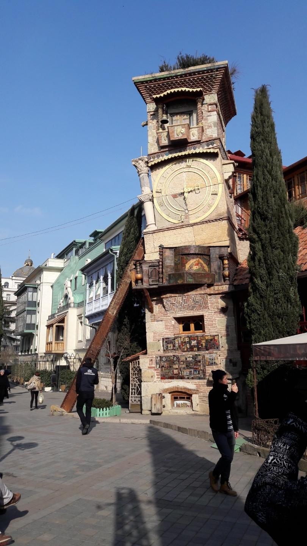 Puppenhaus-Turm in Tbilisi