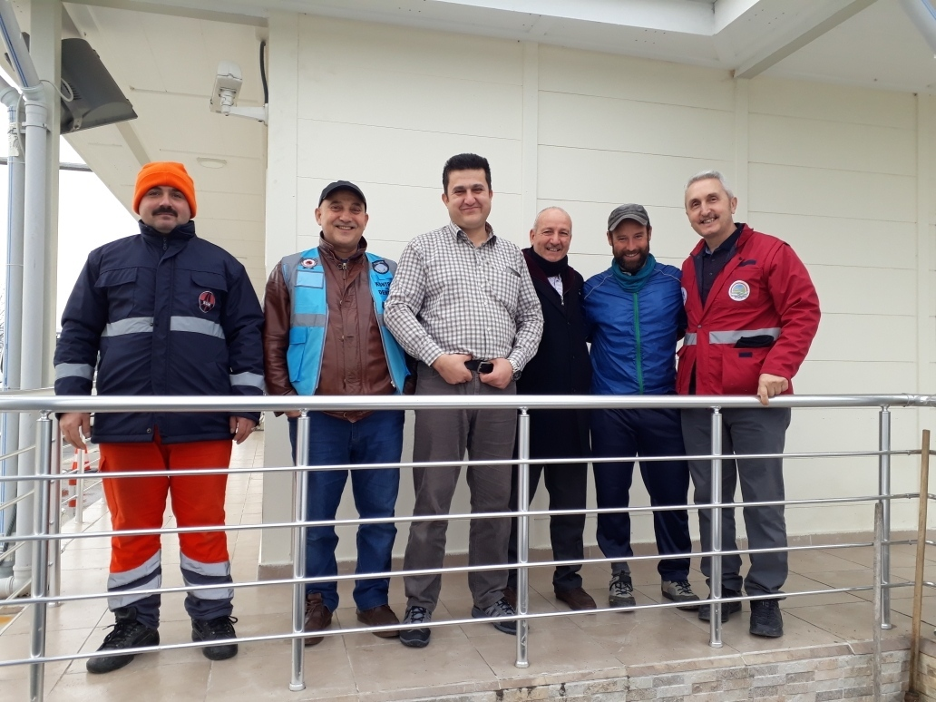 Lovely Cay-chat with the employers of the karayollari, controlstation for camions...
