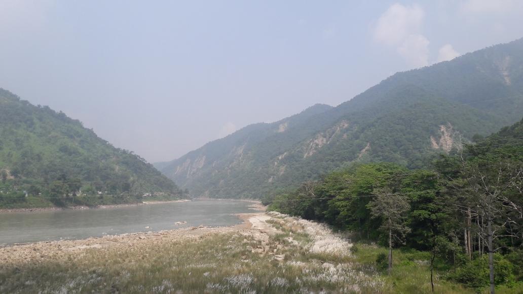 Die ersten nepalesischen Hügel