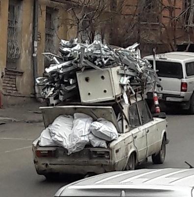 Trash-Taxi