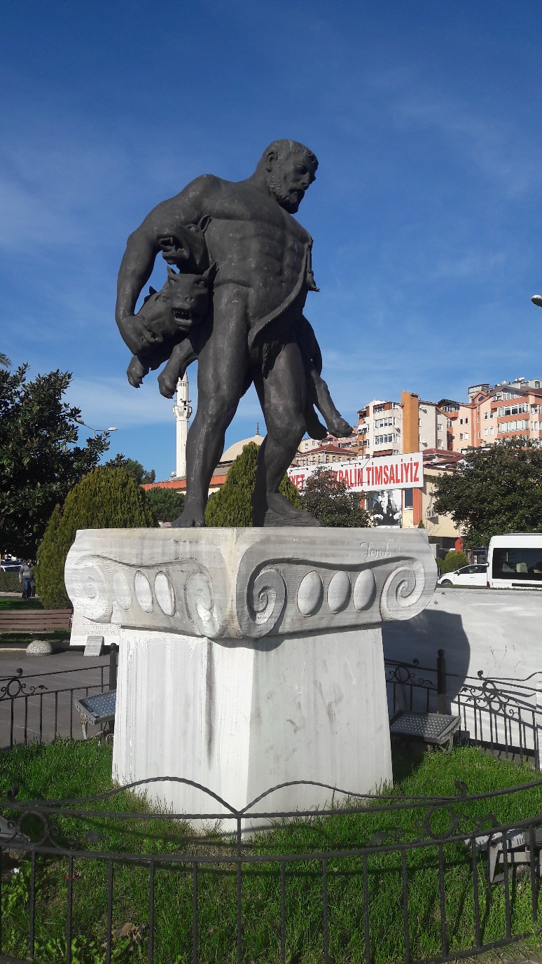 Herkules mit Kerperos