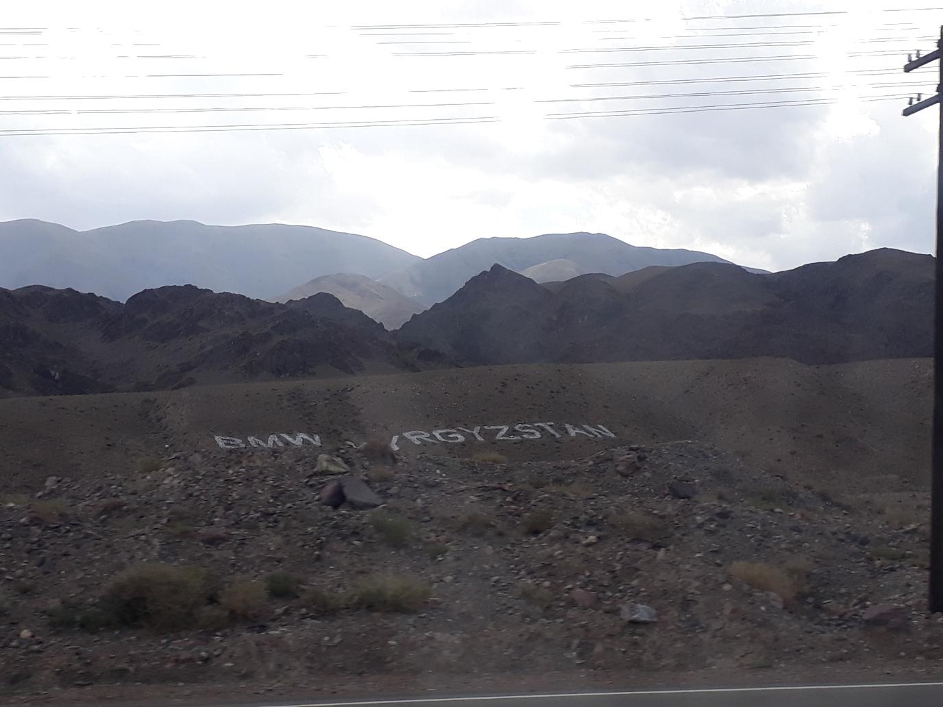 BMW Kirgisistan sogar in den Bergen