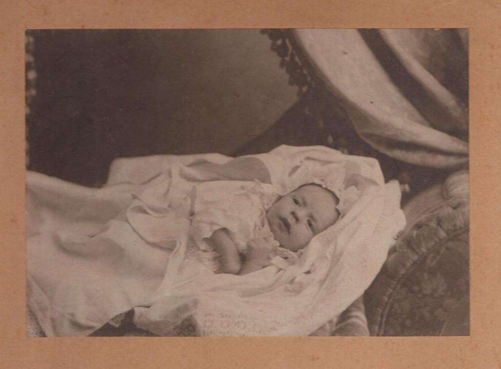 Коля Барсуков в год рождения 1910
