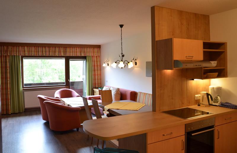 Type 3 moderne Wohnküche, Balkon