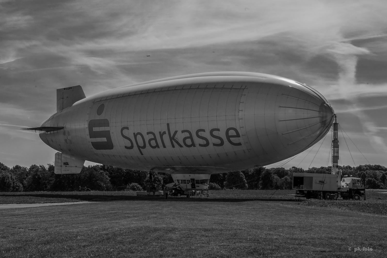 Zeppelin - WDL-Flughafen Essen-Mülheim