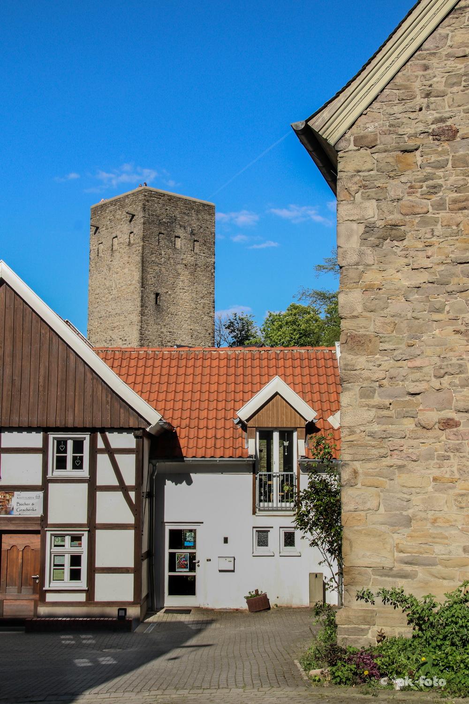 Blankensteiner Ensemble mit Küsterhaus, Evgl. Kirche und Burg - Titelbild im Hattinger Stadtspiegel vom 14.05.2016
