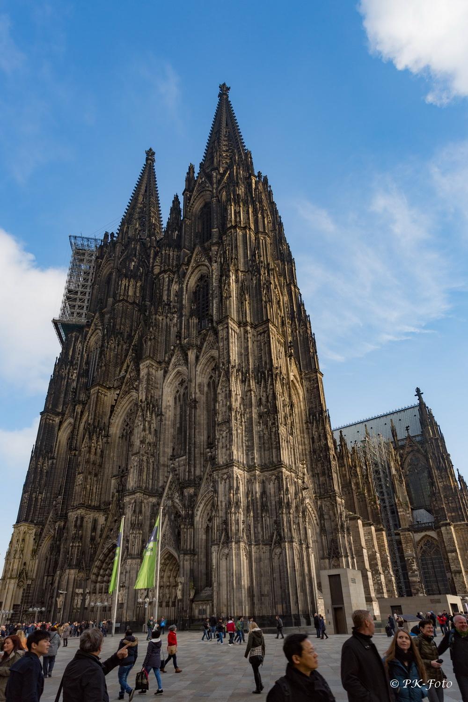 Kölner Dom mit 157,38 m die zweithöchste Kirche Europas