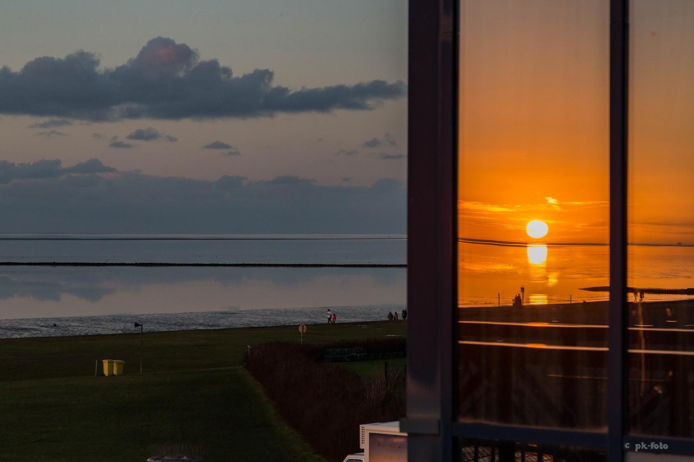 Sonnenuntergangsspiegelung in Norddeich