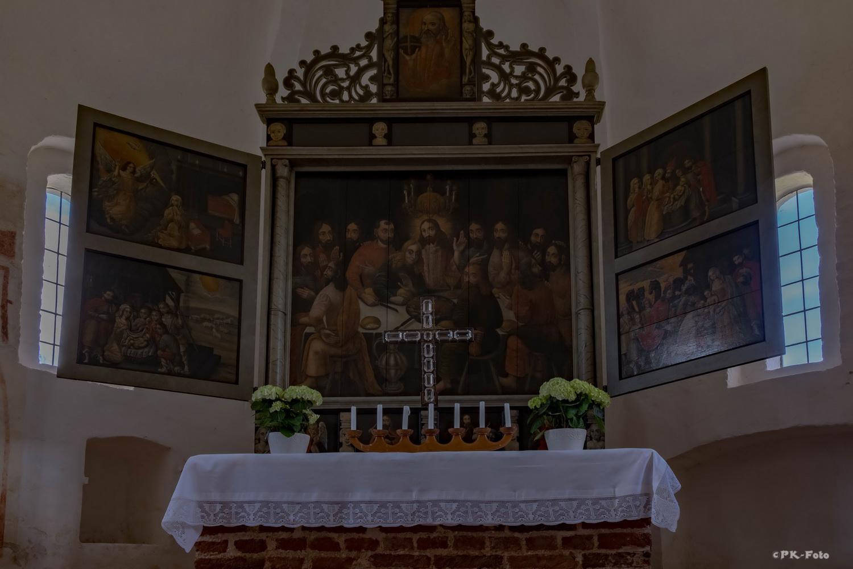 Evgl.-Lutherische Kirche in Rhaude - vermutlich erbaut zwischen 1300-1350
