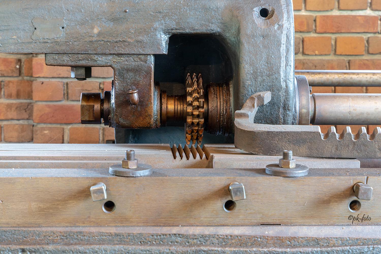Verzahnungsmaschine für Zahnstangen bei J.D. Neuhaus in Witten