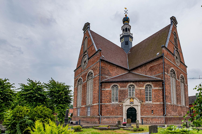 Neue Kirche Emden - 1643-1648 als reformierte Kirche erbaut und nach 1945 nach der Zerstörung wieder neu aufgebaut