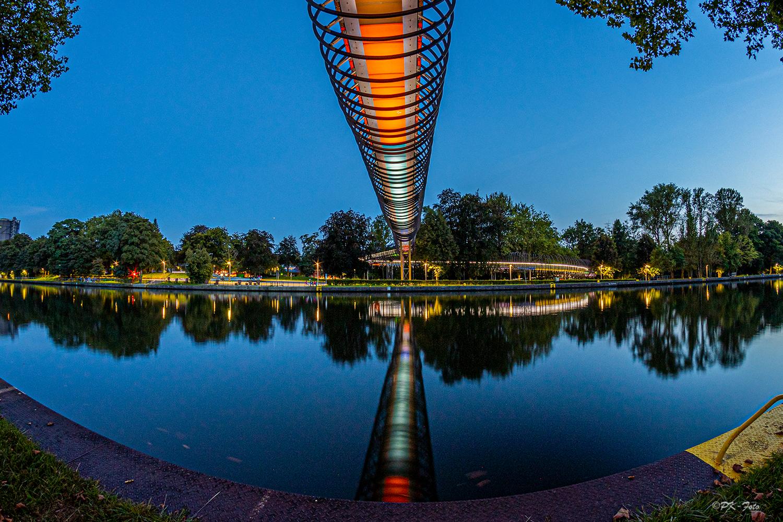 Slinky Springs Brücke in Oberhausen