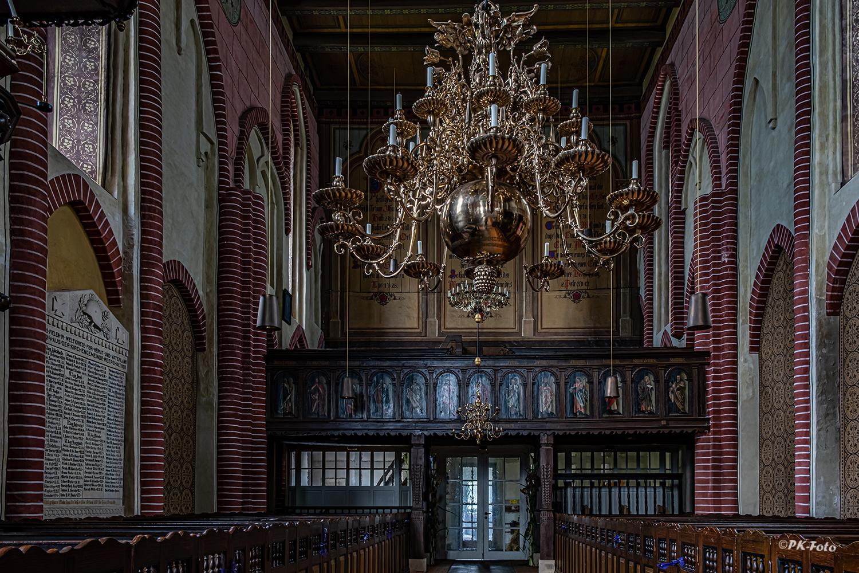 St. Mauritius Kirche in Reepsholt aus dem 13. Jahrhundert