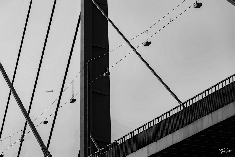Rheinbrücke Düsseldorf