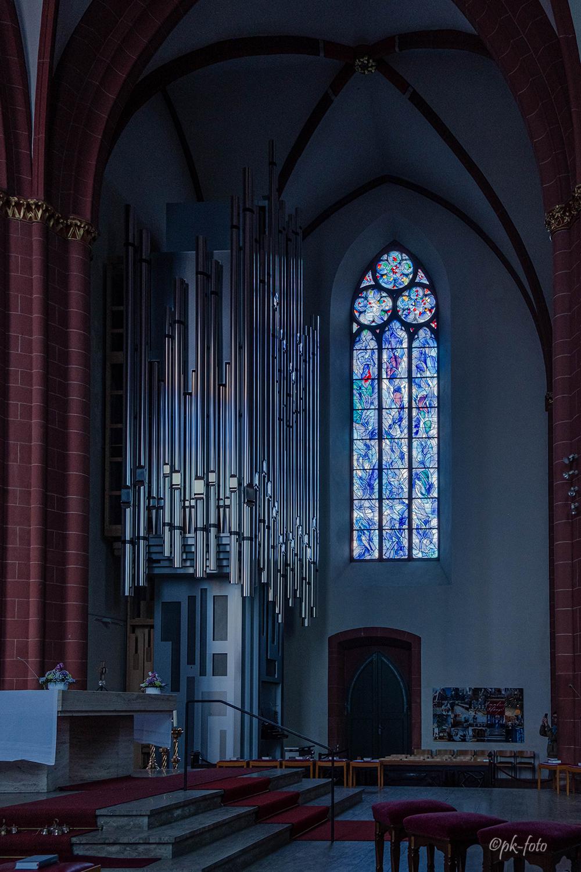 St. Stephan in Mainz von 1267-1340. Seit 1978 mit 9 Fenstern von Marc Chagall ausgestattet