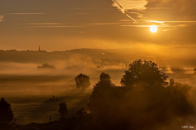 Sonnenaufgang im Ruhrtal bei Hattingen