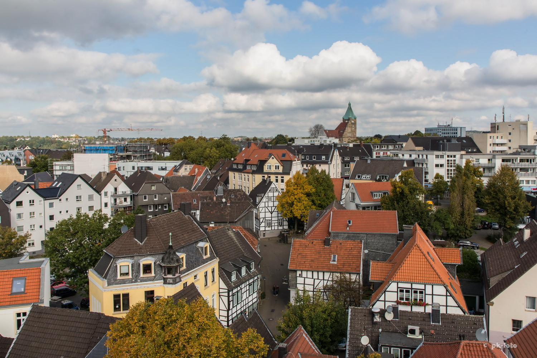 Blick vom St. Georgsturm auf das Hattinger Rathhaus