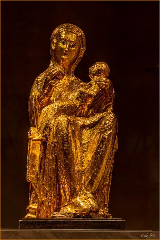 Goldene Madonna von 980 im Essener Münster