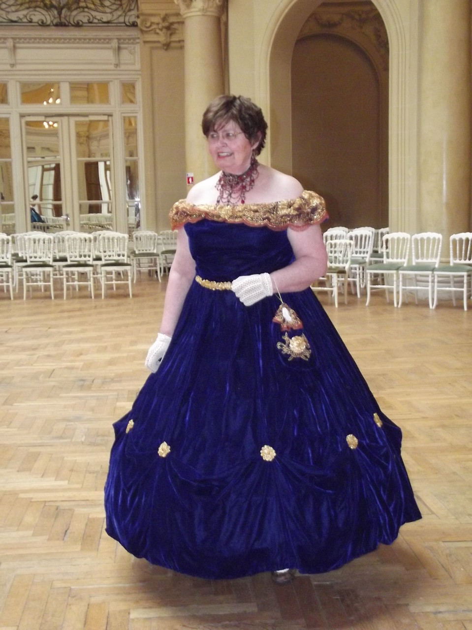Robe second empire en velours de soie bleu royal - Fêtes de Napoléon III à Vichy avril 2014 - Nathalie Navarro Créations