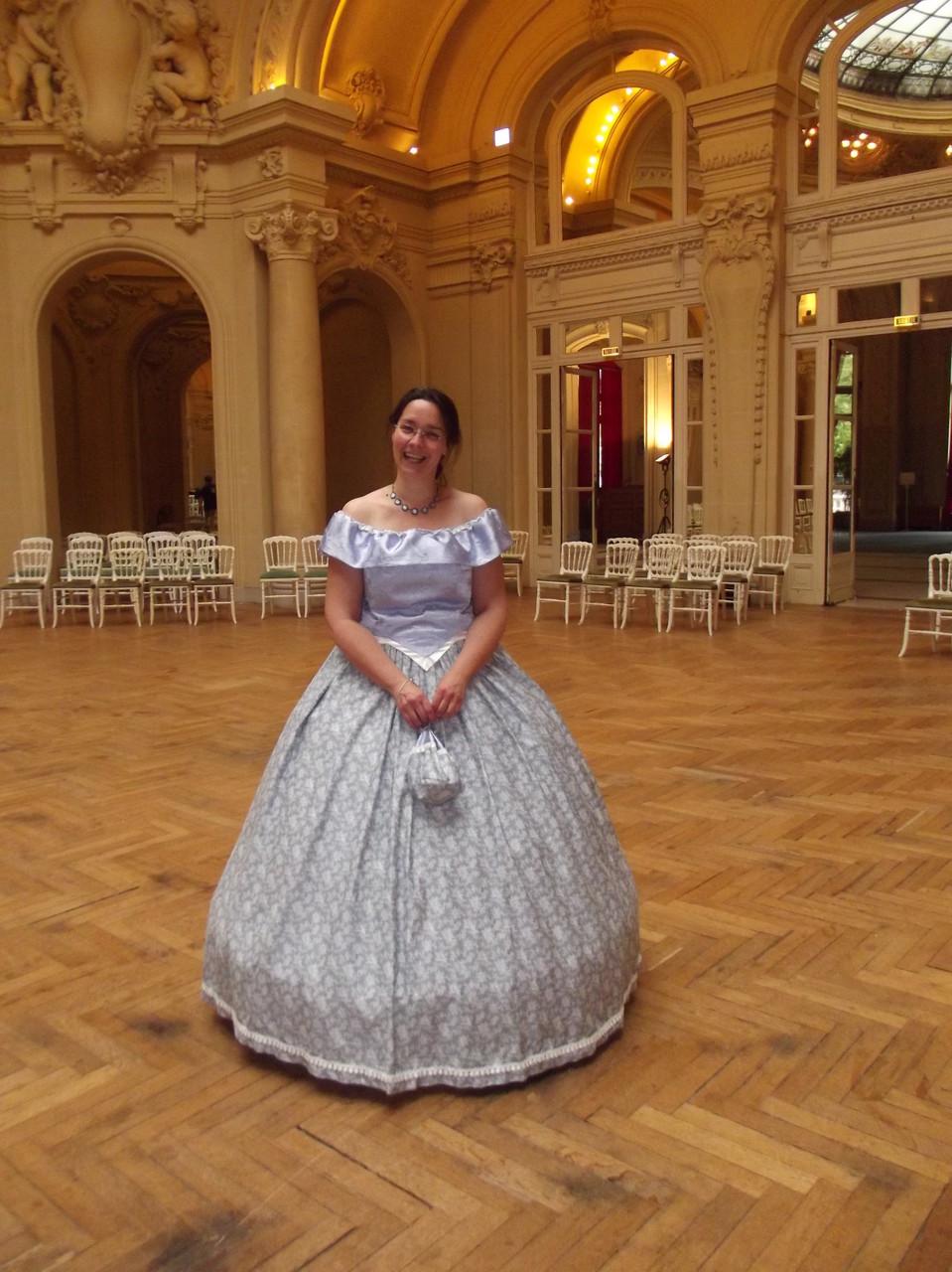 Robe second empire violet et grise - Fêtes de Napoléon III à Vichy avril 2014 - Nathalie Navarro Créations