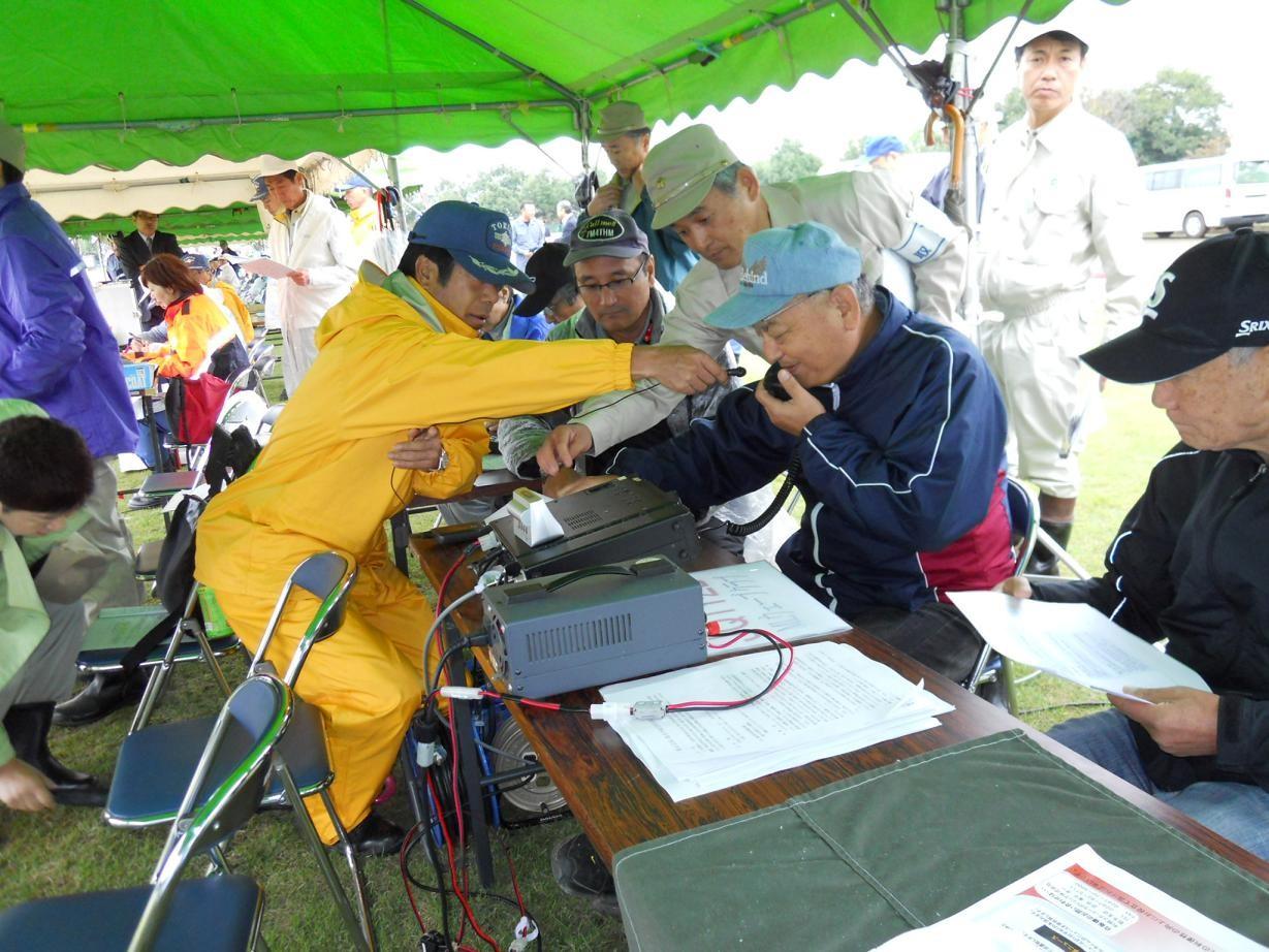 アマチュア無線による情報伝達通信訓練 現地移動各局と本部との交信