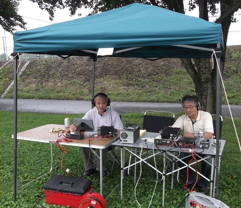 7/18 運動公園にて運用を開始 JG1VNL JH1AGL(右)