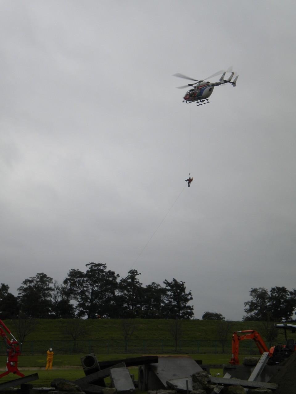 救助訓練 ヘリコプター降下