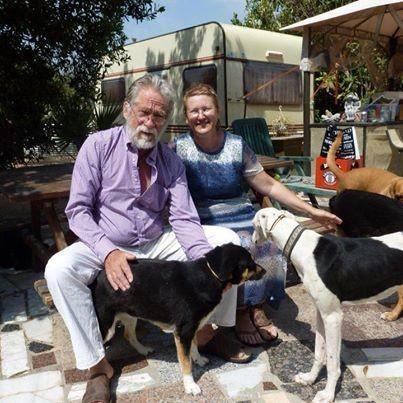 Lambert und Martina Hagen mit einigen ihrer Hunde