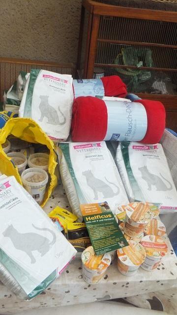 Ankunft unsers Spendenpakets auf dem Hof Chaoti
