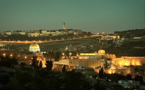 Вечерний Иерусалим - IsraToursVIP - Экскурсии в Израиле. Индивидуальные туры по Израилю. Индивидуальные экскурсии по Израилю. Мёртвое Море. Лечение в Израиле. Венчание в Израиле. Личный гид в Израиле. Отдых в Израиле. Туры в Израиль. Экскурсии по Израилю.