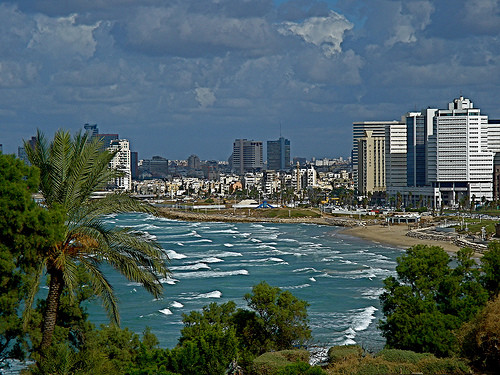 Набережная Тель Авива - IsraToursVIP - Экскурсии в Израиле. Индивидуальные туры по Израилю. Индивидуальные экскурсии по Израилю. Мёртвое Море. Лечение в Израиле. Венчание в Израиле. Личный гид в Израиле. Отдых в Израиле. Туры в Израиль.