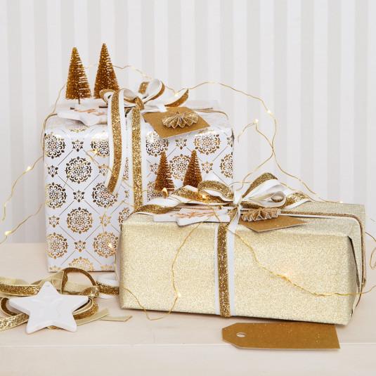 Geschenkverpackung Weihnachten weiß gold