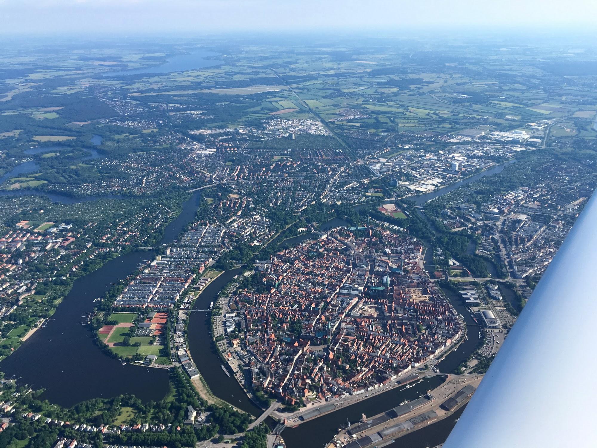 D-KAJP über Lübeck
