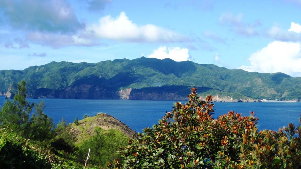今日見た、向島からの乳房山
