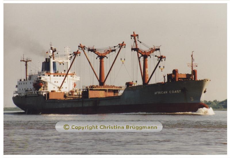 """""""AFRICAN COAST"""" bei der Ausreise von Hamburg 07.2001"""