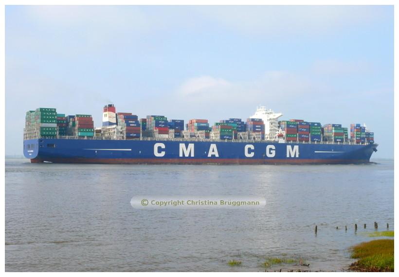 """""""CMA CGM LAPEROUSE"""" ausgehend Hamburg auf der Elbe 24.04.2015"""