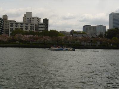 大川(旧淀川)の手前に造幣局がある