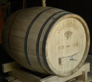 Holzfass 700 Liter rund mit Türl und Gravur